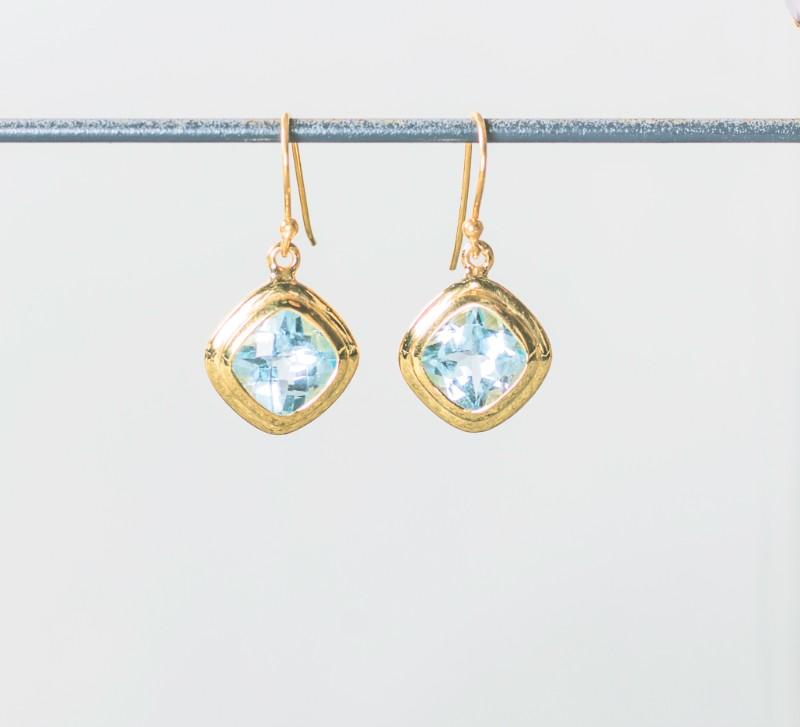Melissa Lo Iris Earrings gold